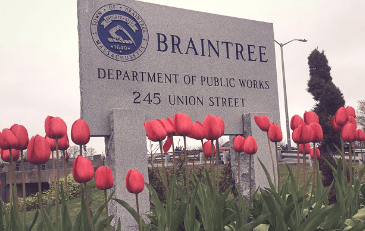 Photo of granite sign that says Braintree Department of Public works 245 Union street